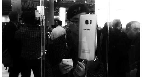 """""""Hổ"""" Huawei và """"Rồng"""" Oppo nhăm nhe """"ăn thịt"""" Samsung"""