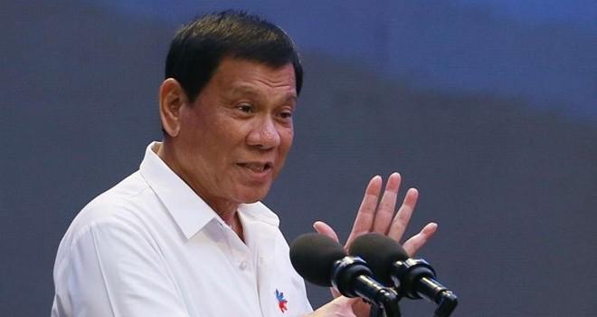 Tổng thống Philippines sang thăm Trung Quốc bàn chuyện gì?
