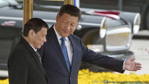 Xích lại gần Trung Quốc, liệu Philippines có được đền đáp?
