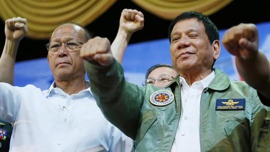 Tiết lộ lý do Tổng thống Duterte quay lưng lại với Mỹ