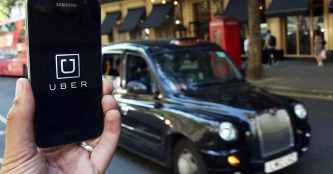 Anh: Uber không được xem lái xe là người làm tự do
