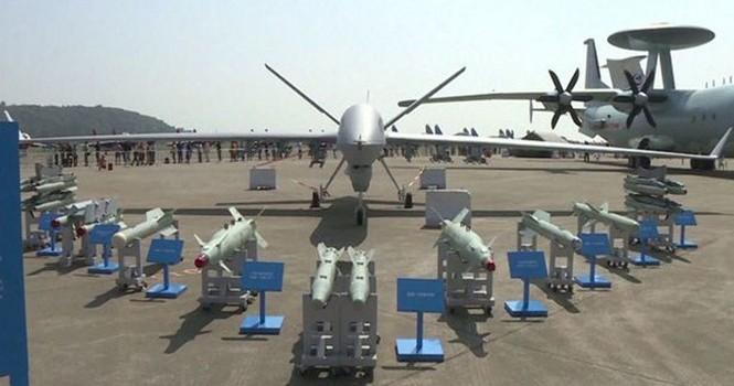 """Trung Quốc ra mắt chiếc UAV """"số một thế giới"""""""