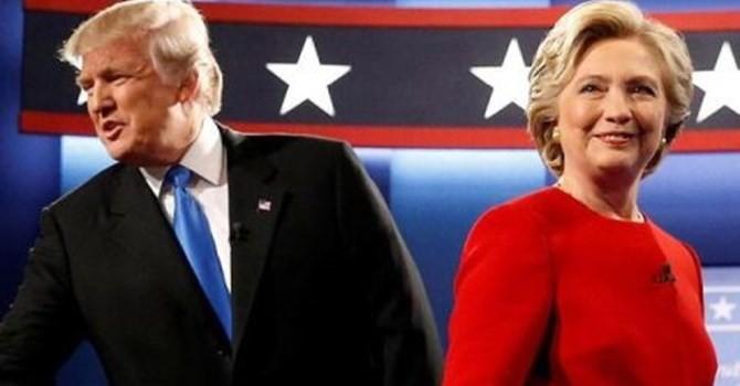 Clinton dẫn trước Trump trong hàng loạt khảo sát