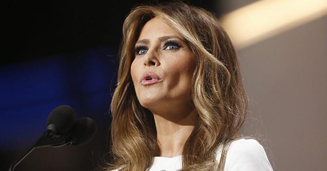 Vợ Donald Trump bị tố làm người mẫu bất hợp pháp tại Mỹ