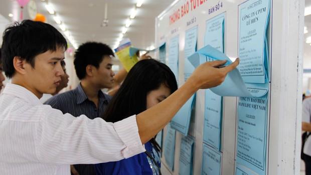 Gần 200.000 sinh viên thất nghiệp và trách nhiệm của Bộ trưởng Giáo dục