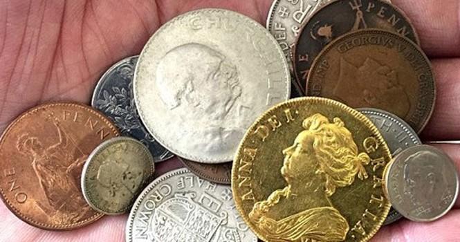 Giàu to nhờ vô tình nhặt đồng xu giá 7,4 tỷ đồng trong đống đồ chơi