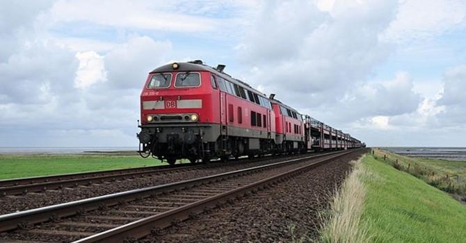 Không thiếu tiền để xây dựng đường sắt cao tốc: Nguồn tiền ở đâu?