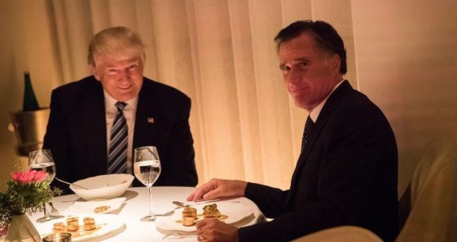 Bữa ăn tối gượng gạo giữa Trump và Romney