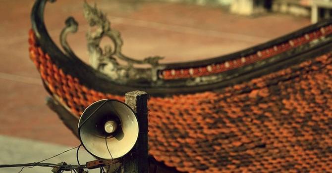 Cận cảnh: Những chiếc loa phường bám cột điện trên khắp phố Hà Nội