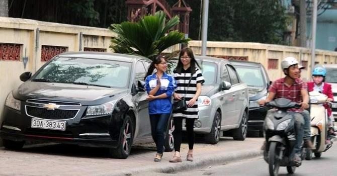 """Dân Hà Nội một tuần """"mất ăn, mất ngủ"""" với ô tô"""