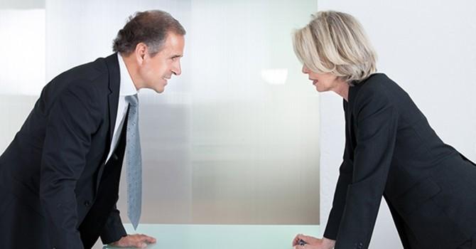 4 cách giải quyết mâu thuẫn trong công việc