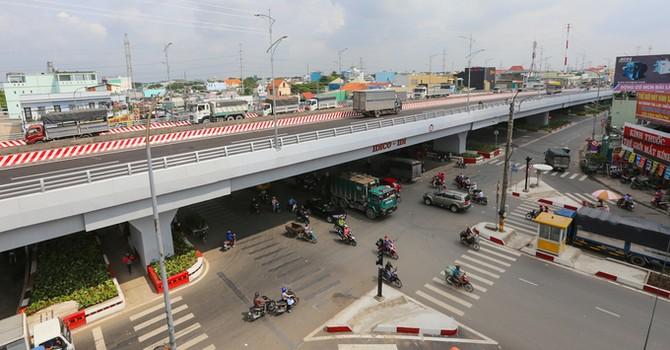 Cầu vượt hơn 500 tỷ đồng phía Tây TP. HCM thông xe trước 3 tháng