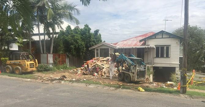 Hai anh em trai biến ngôi nhà rác thành biệt thự triệu đô