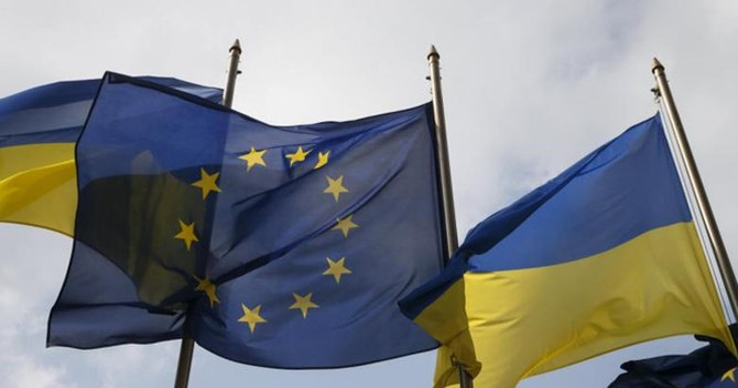 EU miễn thị thực cho Ukraine: một quân cờ, hai cách đi