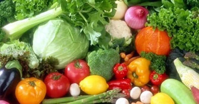 """Đắt gấp 2-3 lần, rau """"sạch"""" vẫn mù mờ chất lượng"""