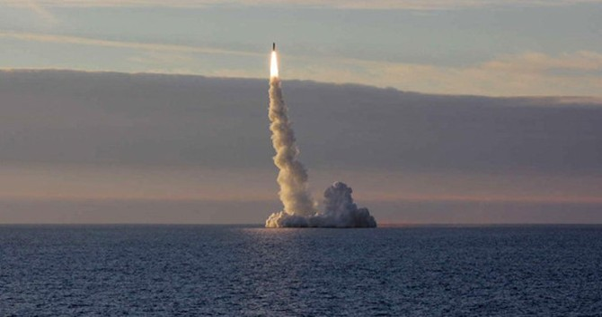 Tàu ngầm Nga phóng thành công tên lửa ICBM gần Na Uy