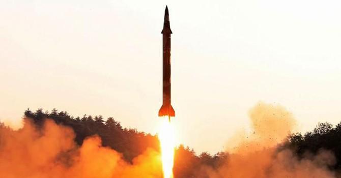 Thế giới 24h: Tên lửa Hwasong-12 bay qua Nhật Bản, bán đảo Triều Tiên lại nóng lên