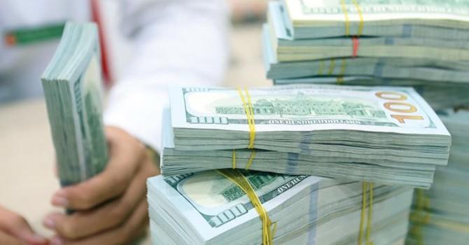 """Vì sao ngân hàng Việt ồ ạt """"nhập cuộc"""" kinh doanh ngoại hối?"""