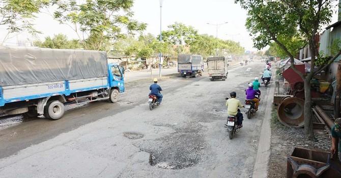 """Con đường nơi Giám đốc Sở nói """"hỏng do không có xe lưu thông"""""""