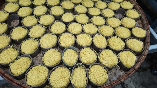 Hãi hùng 10 tấn mì sợi chứa hàn the và hàng loạt thực phẩm quá đát