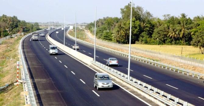 Bộ trưởng Thăng yêu cầu đấu giá, bán quyền thu phí cao tốc Nội Bài - Lào Cai