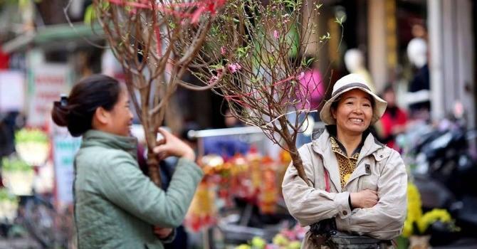 Nhiệt độ hạ thấp, Hà Nội rét buốt ngày mồng 1 Tết