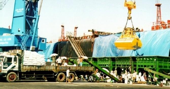 """Xuất khẩu của Việt Nam sang Úc """"lao dốc"""" theo giá dầu"""
