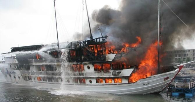 Vụ cháy tàu ở Tuần Châu: Bồi thường 110 triệu đồng cho chủ tàu và hành khách