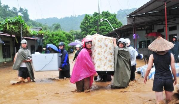 """Lào Cai: Mưa lũ làm 13 người chết và mất tích, """"cuốn phăng"""" hơn 200 tỷ đồng"""