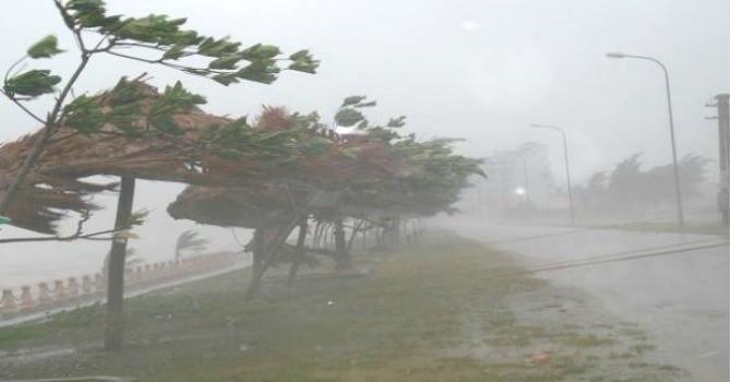 Ảnh hưởng của áp thấp, miền Bắc hứng chịu mưa lớn diện rộng đến cuối tuần