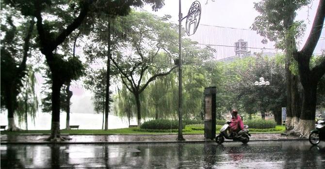 Hà Nội có mưa dông đến hết tuần