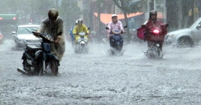 Rãnh áp thấp và gió mùa Tây Nam gây mưa dông trên cả nước