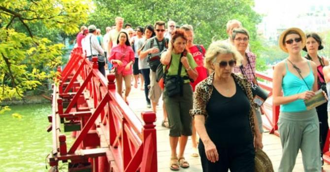 Nhờ chính sách miễn thị thực, khách châu Âu đến Việt Nam tăng vọt trong tháng 8