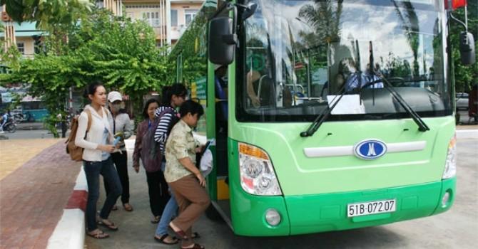 """TP.HCM: Đổ đống tiền vào xe buýt, dân vẫn """"ngại"""" đi"""