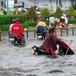 <span class='bizdaily'>BizDAILY</span> : Sài Gòn vừa mưa đã ngập: Cống thoát nước có cũng như không