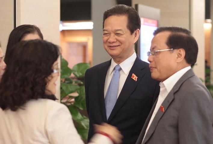 <p>Chia sẻ trên Tuổi Trẻ, Thủ tướng Nguyễn Tấn Dũng khẳng định ông rất thanh thản, hạnh phúc khi hoàn thành trọng trách được Đảng, Nhà nước và nhân dân giao phó.</p>